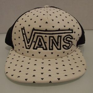 Vans Off The Wall White With Black Hearts Hat